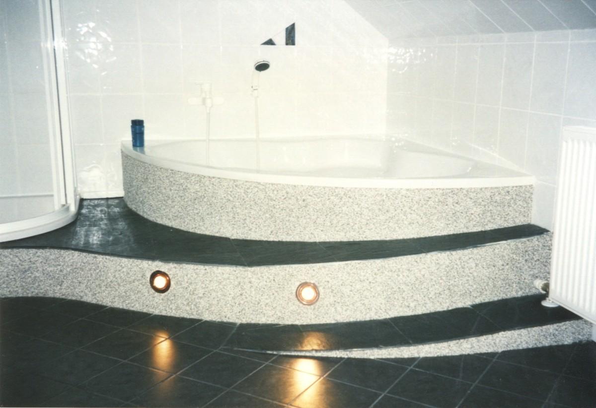 innenraum bad dusche sockelputz architekturb ro di oliver vykruta. Black Bedroom Furniture Sets. Home Design Ideas